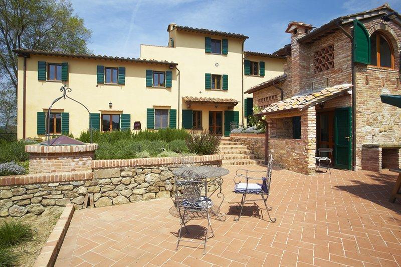 Stunning 6 Bedroom Villa and Cottage