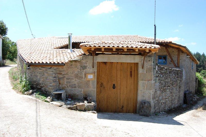 Casa do Polo A Vilerma en la corazon de Ribeira Sacra, holiday rental in Sober
