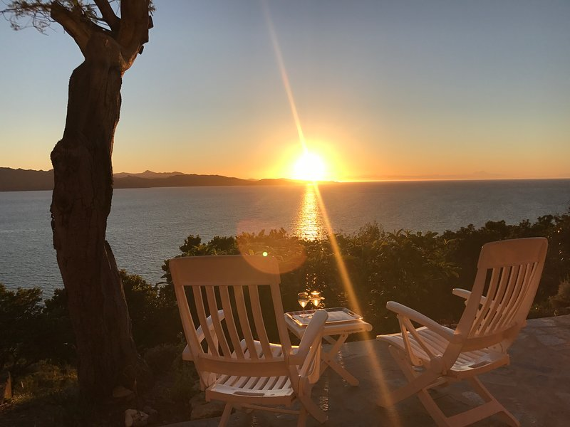 T4 Vue à couper le souffle sur la baie de St-Florent plage 5mn à pied, location de vacances à Barbaggio