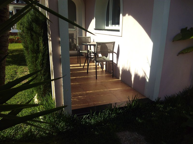 Nice house with terrace & Wifi, holiday rental in Oliveira do Bairro