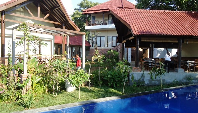 Rent room a cozy Villa in Lovina North Bali, holiday rental in Temukus