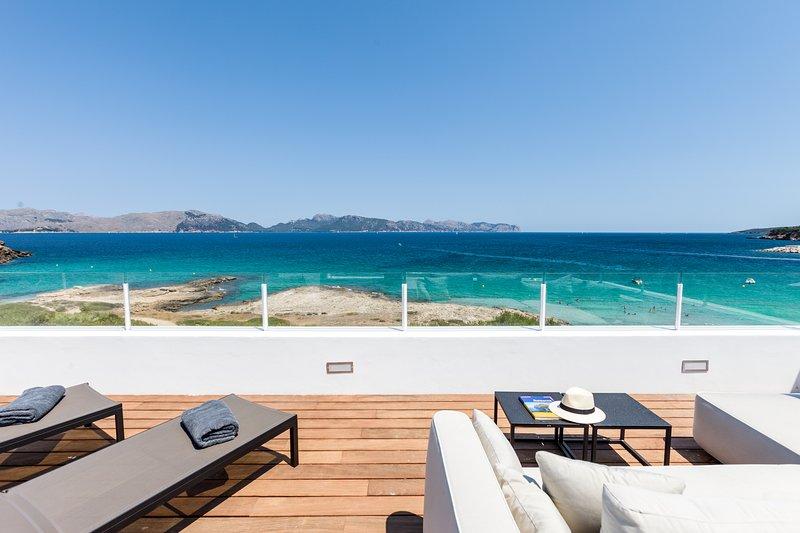 Villa de diseño sobre el mar en Mal Pas, Alcudia, acceso directo a playa y pisci, casa vacanza a Mal Pas