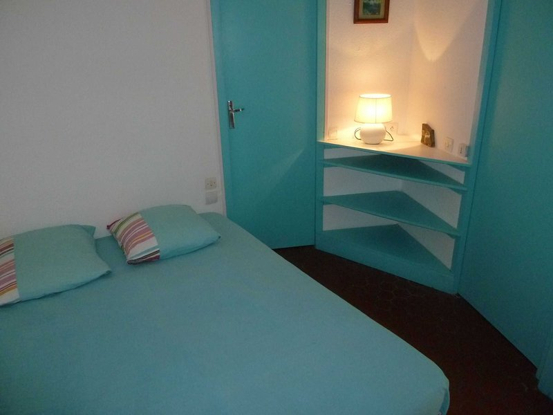 Confortable double bed 140 x 190