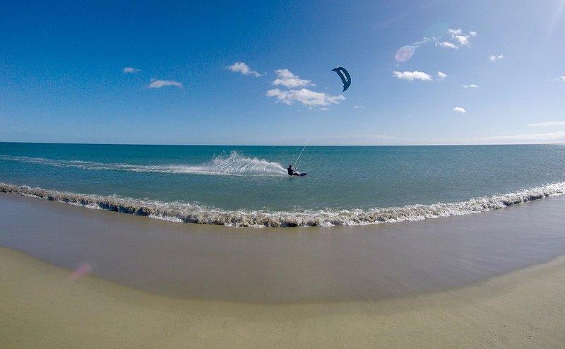 Kitesurf at the beach