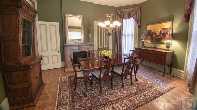 Historic Luxury Retreat, holiday rental in Saint Louis