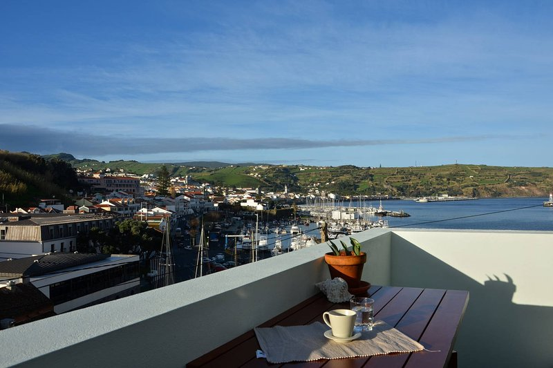 Bay House 111/AL, Horta Faial Azores, vacation rental in Praia do Norte