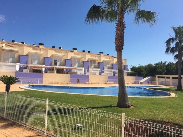 Adosado con WIFI 3 Dormitorios Denia - El Verger a 400 mts Playa Deveses – semesterbostad i El Verger