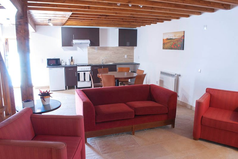Beautiful cottage near Penela Casa de Campo de Oliveiras COTTAGE 2, holiday rental in Coimbra District