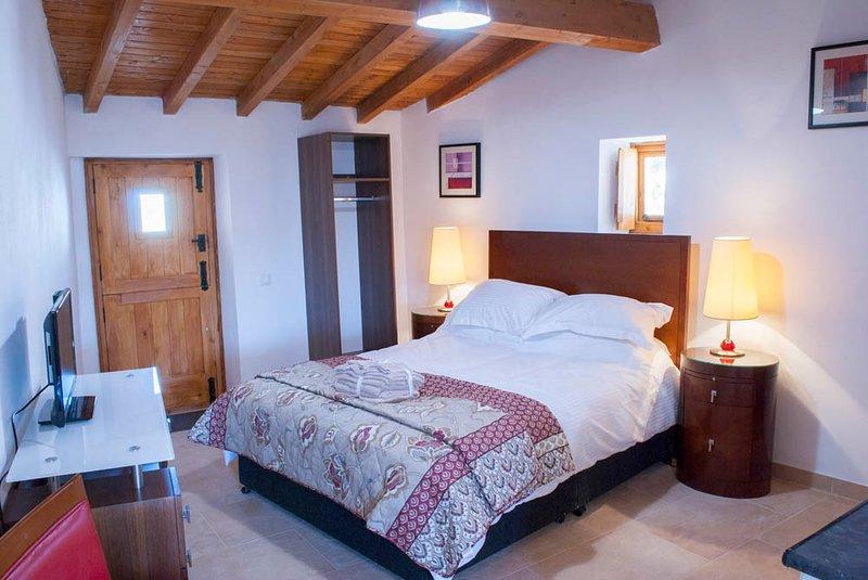 Beautiful cottage near Penela Casa de Campo de Oliveiras COTTAGE 3, vacation rental in Castanheira de Pera