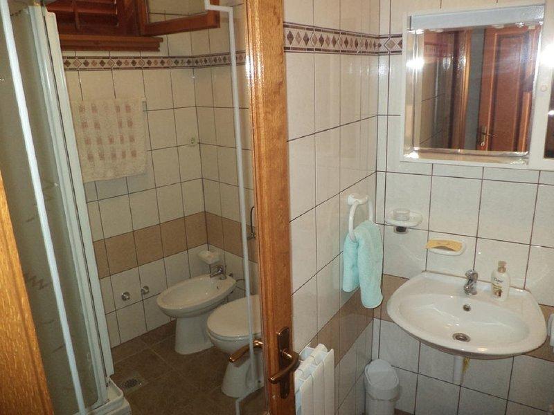 A3(3+1) Arch 1: bathroom with toilet