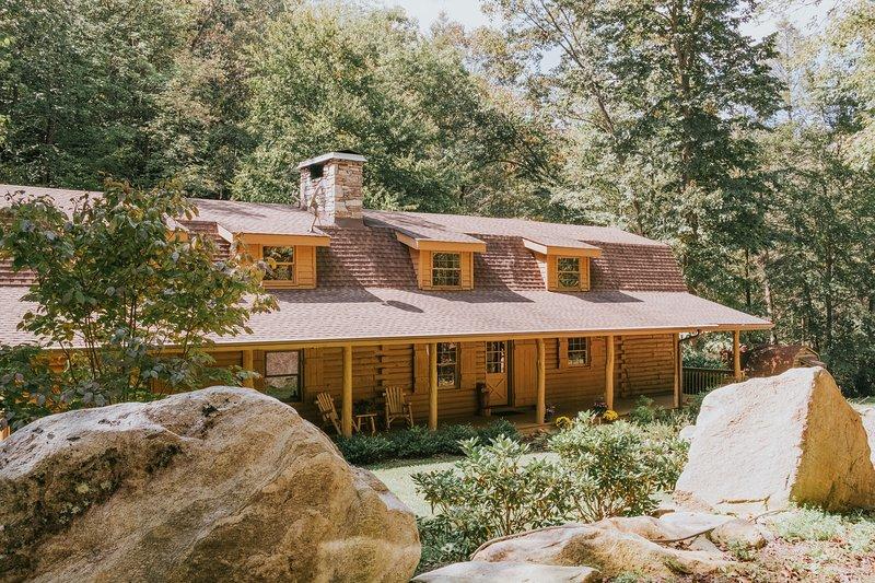 Diamond Falls Preserve: lujo cabaña de montaña cerca de Asheville, Lake Lure y TIEC.