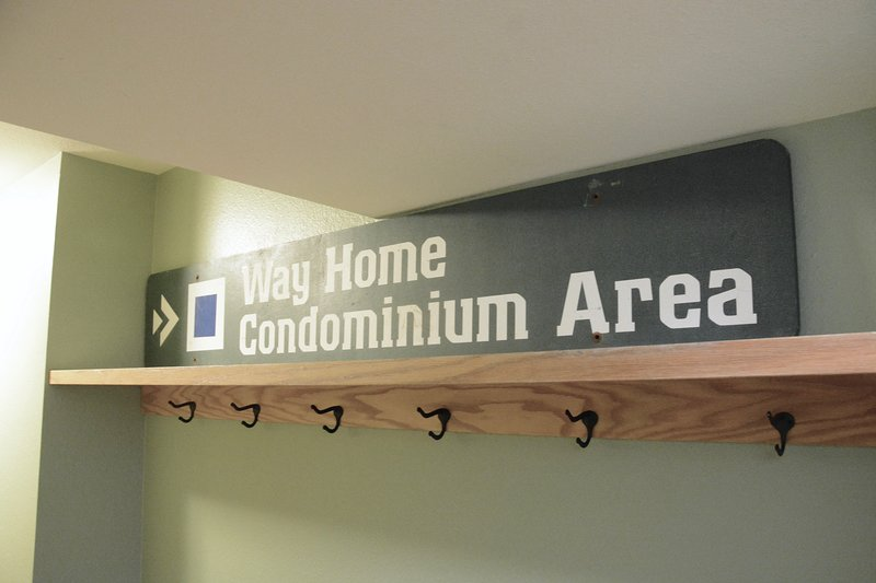Way Home sign for to follow when skiing home at end of day