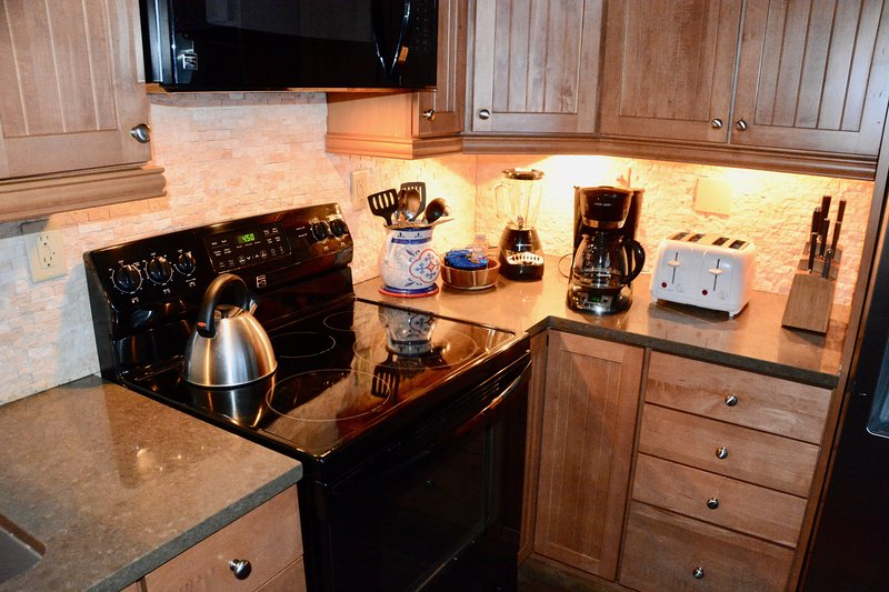 Smaller kitchen items on top