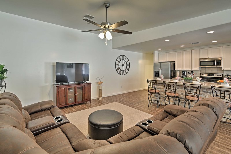 Lake life begins at this Lake Havasu City vacation rental house!