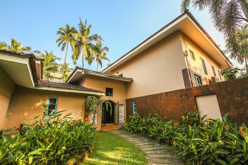 Villa Nimaya,Bardez,Goa, vacation rental in Nagoa