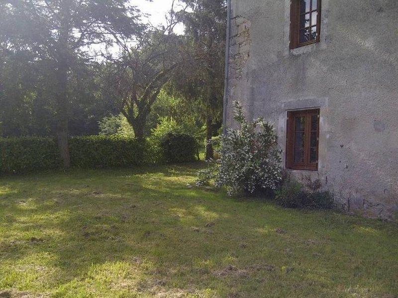 Maison de caractère au coeur du Périgord - Le Château de l'Étang, vacation rental in Saint-Antoine-d'Auberoche