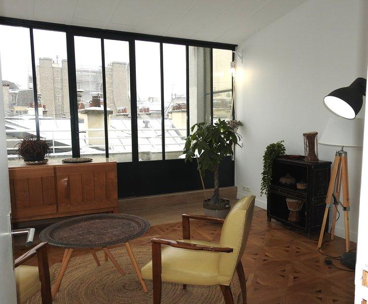 Privates Wohnzimmer und Terrasse hinter (privat Ort für Sie)