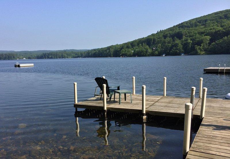 Nuota, prendi il sole e pesca il contenuto del tuo cuore dal molo privato!
