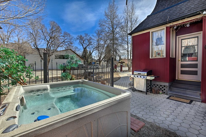 Relaxing evenings are best spent stargazing from the private hot tub.
