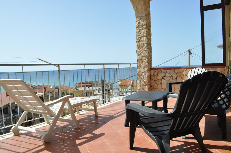 VILLA DEI TIGROTTI, holiday rental in Santa Maria di Castellabate