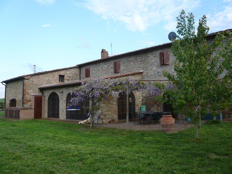 Maremma 2 apartment in Tuscany with garden and small pool, aluguéis de temporada em Cecina