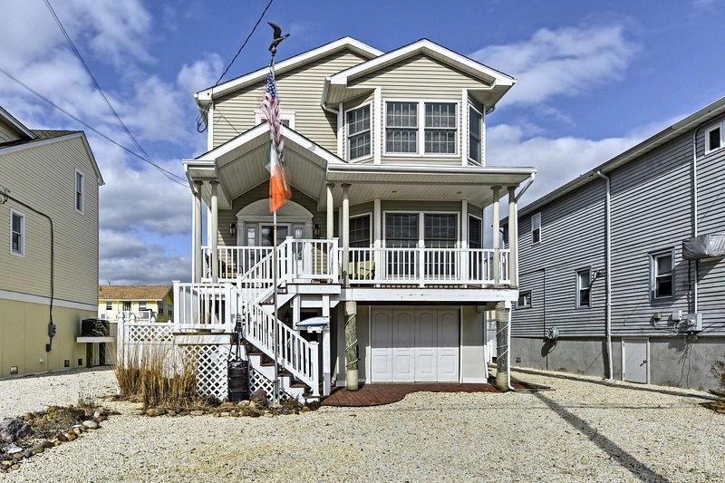 Make beachside memories at this 3-bedroom, 2.5-bath Ship Bottom vacation rental!