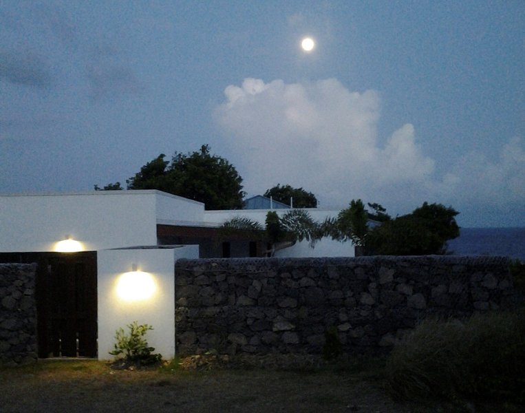 Tatou House by night