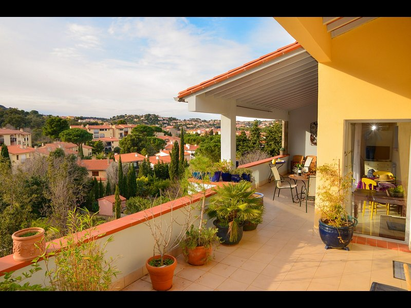 40m2 terrace.