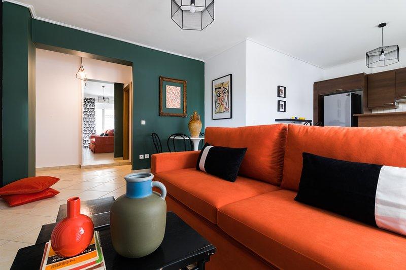 Athenian Stylish 2 bdrm Apartment, holiday rental in Dafni