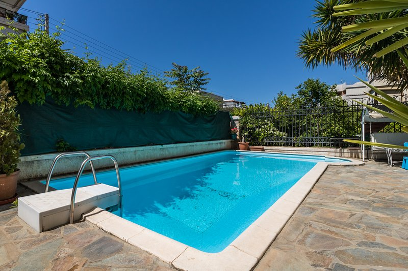 4 bdr Villa with Private Pool in Glyfada, holiday rental in Glyfada