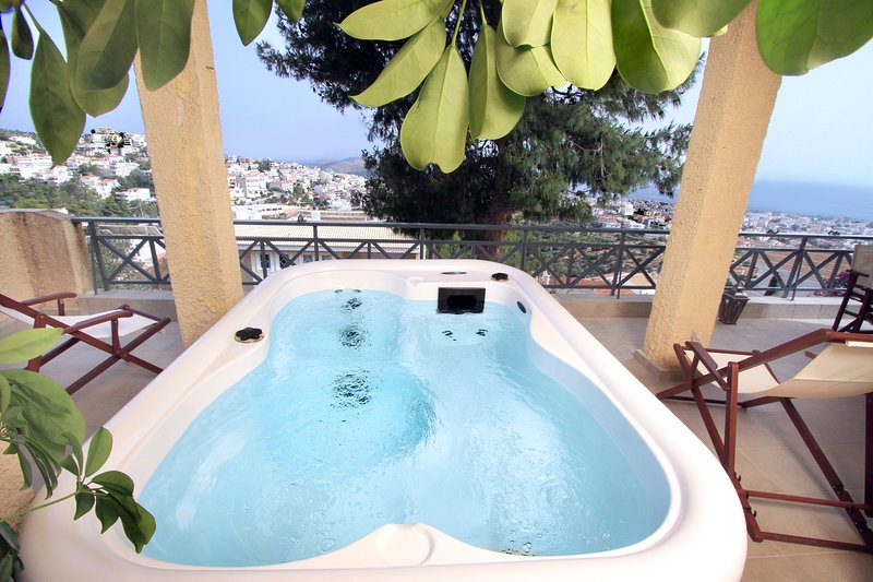 Unique Villa with Sea View & Jacuzzi, holiday rental in Glyfada