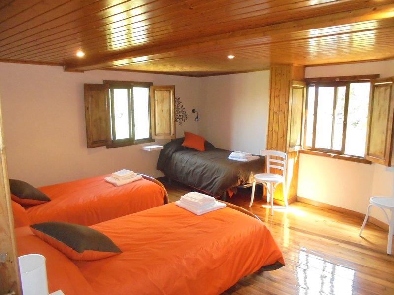 CASA SALETA, holiday rental in Friol