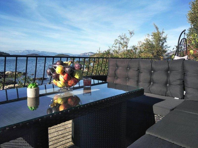 Mirna and Borna Villa, holiday rental in Zuljana