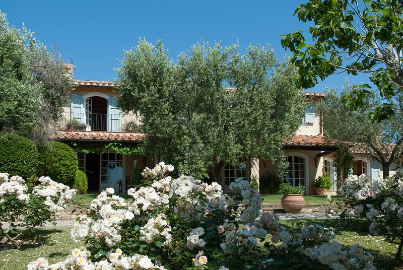Villa Speranza, Classic Tuscan Villa with Pool and Garden  in Capalbio, Southern, Ferienwohnung in La Campigliola