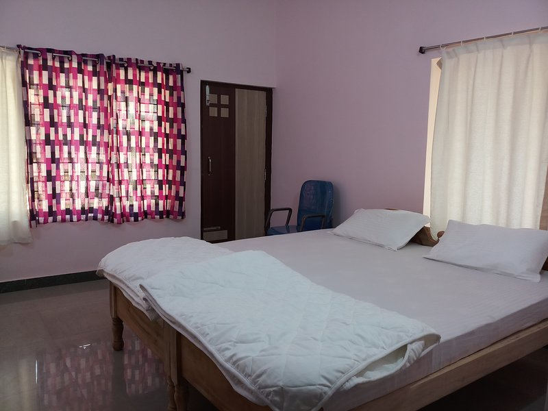 Airport Park Villa AC Room 2, holiday rental in Khurda District