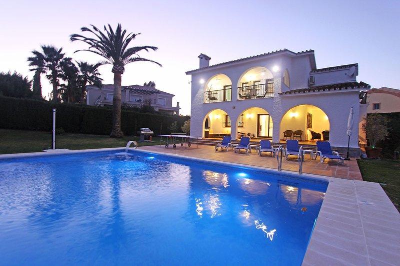Marbella Holiday Villa (Casa Nina), holiday rental in El Paraiso