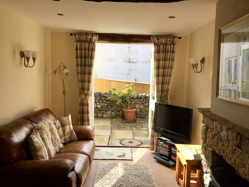 Lounge with patio doors, underfloor heating, freeview tv, dvd player