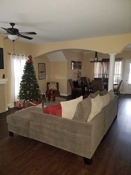 Brand New 2 Bedroom Townhouse, holiday rental in Middletown