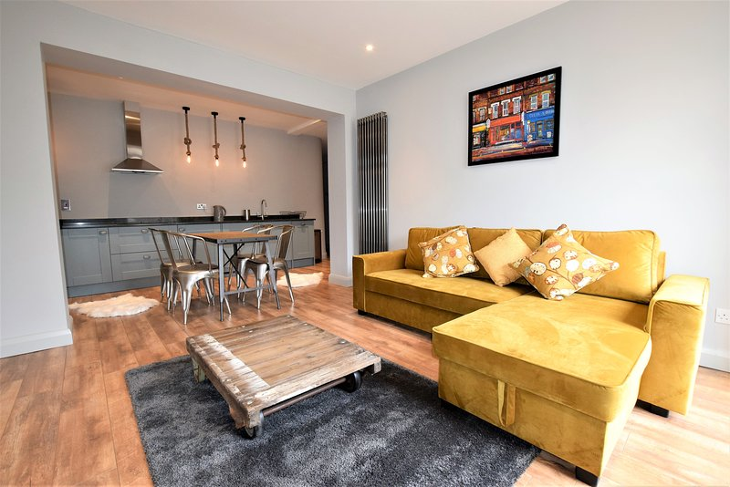 The Old Dutch - yourapartment, holiday rental in Filton
