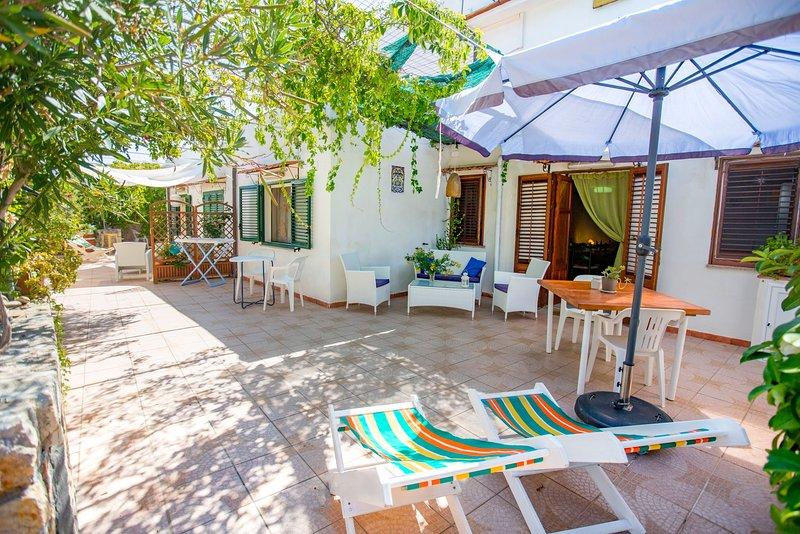 Casa Bianca 'Gerbi' near Cefalu on the beach, vacation rental in Finale