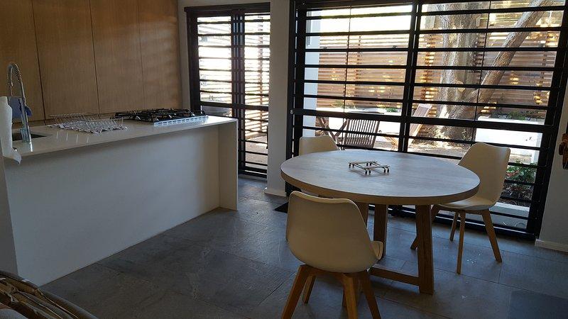 Cottage Chenin - Cuisine et salle à manger Table