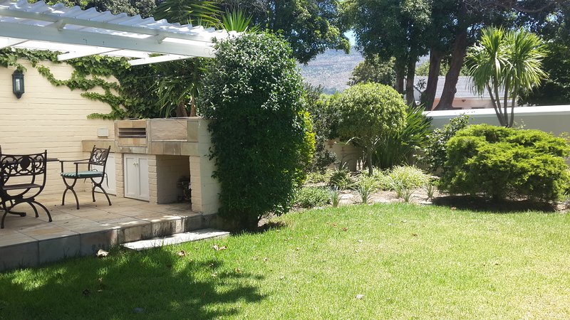 Villa Karibu - Terraza / Braai / jardín