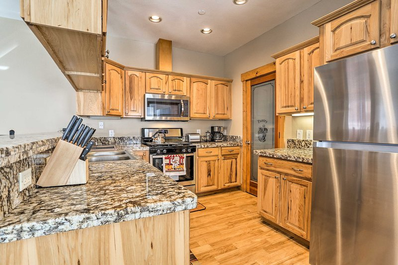 Lovely Kings Beach Townhome - Walk to Beach! Chalet in Northstar