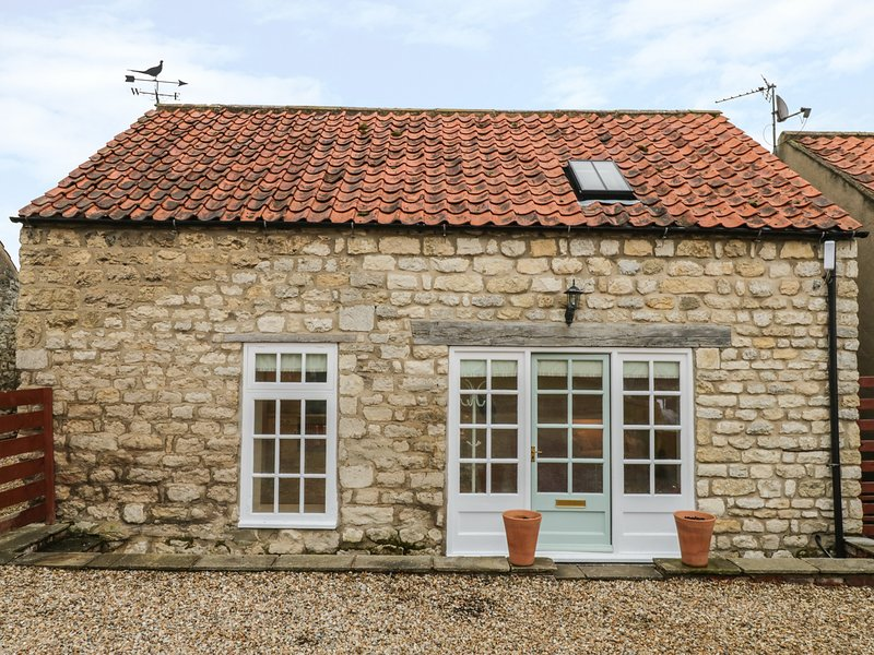 THE BOTHY, 21 WEST STREET, open-plan, en-suite, pet-friendly, Ref 976915, vacation rental in Burythorpe