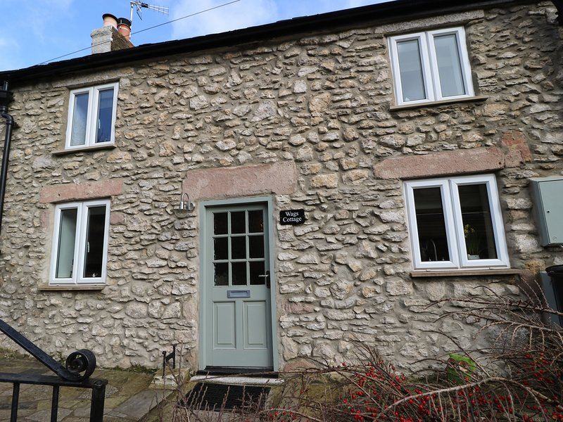 WAGS COTTAGE, Smart TV, centre of Middleton, super king-size bed, Ref 968255, holiday rental in Bonsall