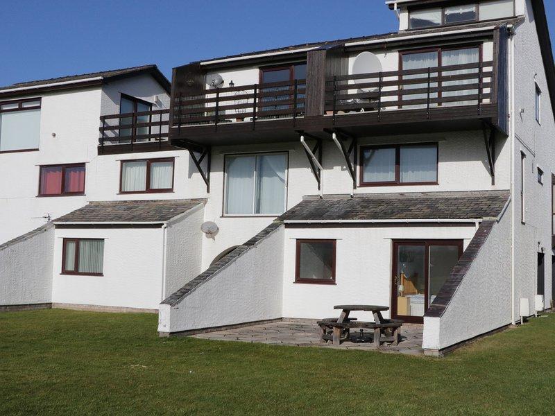 MYN Y MOR, open-plan living, WiFi, sea views, Ref 942097, vacation rental in Dwygyfylchi