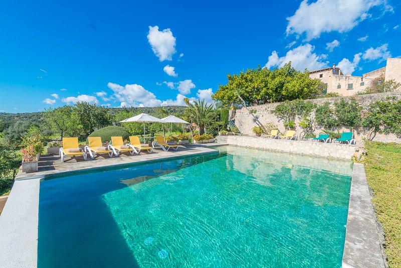 GAYETA GRAN - Villa for 10 people in Sa Pobla, holiday rental in Sa Pobla