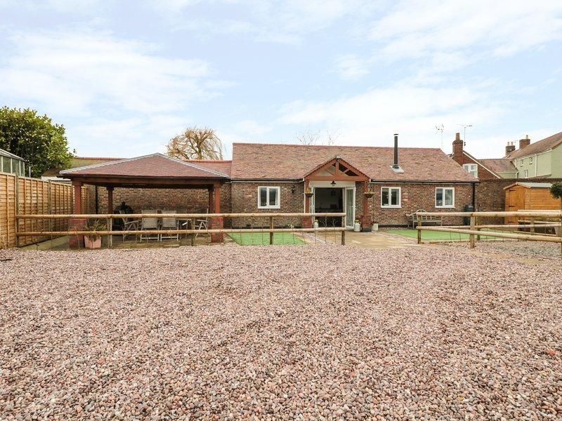 THE STABLE, open-plan living, barn conversion, pet-friendly, Ref 931472, location de vacances à Falfield
