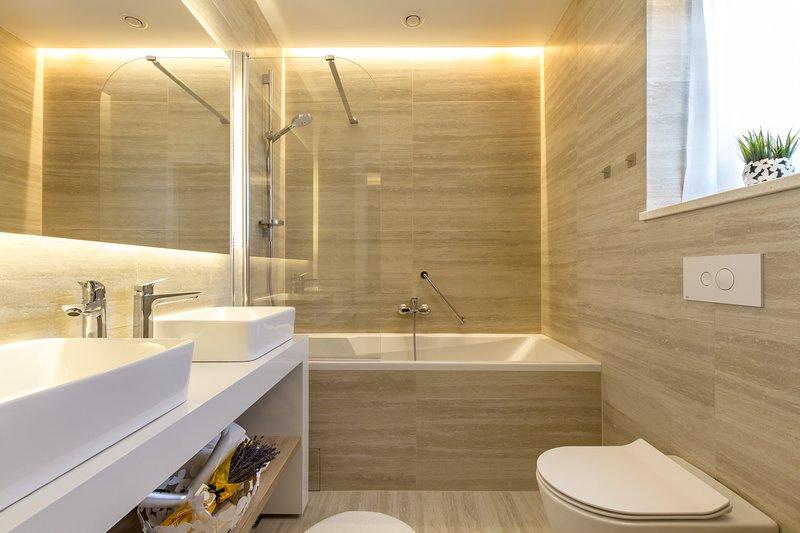 Moderna villa vista mare in affitto con piscina, Primosten
