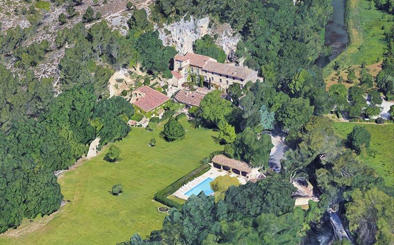 Moulin de la Roque Noves - 24 Bedroom Private Estate, holiday rental in Noves